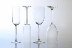 4 пустых бокала на светлой предпосылке Стоковая Фотография