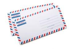 2 пустых конверта с мягкими тенями, на белой задней части предпосылки Стоковая Фотография