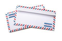 2 пустых конверта с мягкими тенями, на белой задней части предпосылки Стоковая Фотография RF
