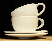 2 пустых кофейной чашки на таблице Стоковые Фото