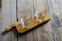2 пустых стекла коктеиля Стоковая Фотография