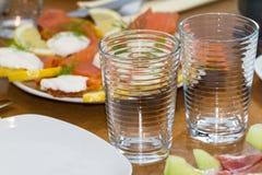 2 пустых стекла на обеденном столе Стоковая Фотография RF