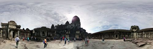 Путешественники Angkor Wat Камбоджа Стоковая Фотография
