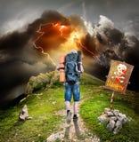 Путешественник в горах Стоковая Фотография RF