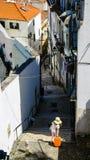 Путешественник в Лиссабоне стоковые изображения rf