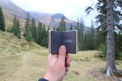 Путешествие или отключение к концепции гор Стоковое Фото