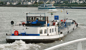 путешествие реки Германии mosel шлюпок баржи Стоковые Фото