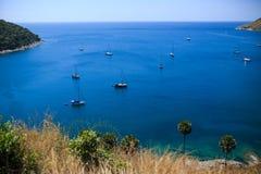 Путешествие шлюпки на голубом море в лете на Пхукете Стоковые Изображения RF