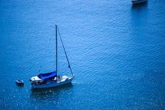 Путешествие шлюпки на голубом море в лете на Пхукете Стоковые Фото