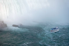 путешествие niagara тумана горничной падений шлюпки Стоковая Фотография