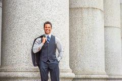 Путешествовать бизнесмена среднего возраста американский, работая в Нью-Йорке Стоковая Фотография