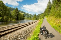 Путешествовать велосипед на трассе цикла Mur стоковые фото