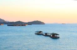 Путешествовать и транспорт шлюпкой от порта стоковое изображение