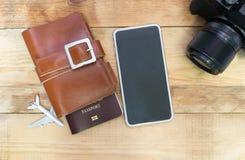 Путешествуйте камера фото деталя, пасспорты, умные, приборы телефона на a Стоковые Изображения RF