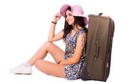 Путешествуйте концепция каникул предназначенная для подростков с багажом на белизне Стоковые Фото