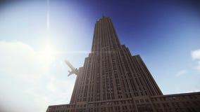 Путешествуйте самолет летая над Эмпайром Стейтом Билдингом в отснятом видеоматериале Нью-Йорка иллюстрация вектора