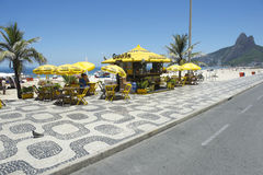 Путь велосипеда променада Рио-де-Жанейро пляжа Ipanema Стоковое фото RF