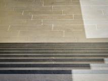 Путь вниз с лестницы в городе Стоковое Изображение