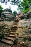 Путь в утесах, сад богов глуши, Иллинойса, США стоковые изображения