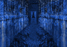 путь голубой темной двери футуристический ведущий к Стоковое фото RF