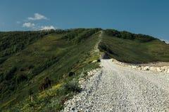 Путь горы водя к верхней части горы Стоковые Изображения RF