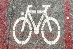 Путь знака велосипеда на дороге Стоковая Фотография