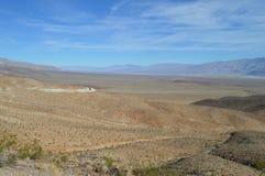 Путь и перспектива входа долины Panamint в Калифорнии Стоковые Фото