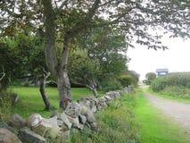 Путь и drystone стена стоковая фотография rf