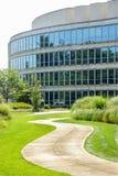 Путь к корпоративному зданию Стоковые Изображения
