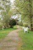 Путь к summerhouse Стоковые Изображения