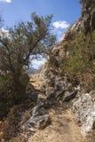 Путь от Polyrenia, Крита, Греции Стоковая Фотография RF