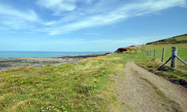 Путь побережья в северном Девоне стоковые изображения