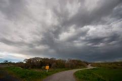 Путь против толстого облака Стоковые Фотографии RF
