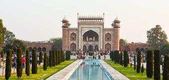 Путь строба Индии Тадж-Махала Агры, Индии Стоковое фото RF