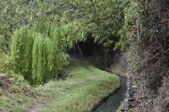 Путь через канал lanjaron стоковые изображения