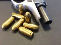 Пушка и пули Стоковая Фотография RF