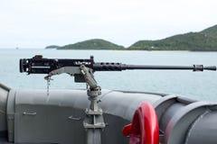 Пулемет на стороне тайского военного корабля военно-морского флота Стоковое Изображение RF