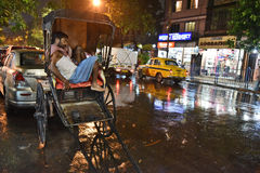 Пулер рикши в Kolkata стоковые изображения