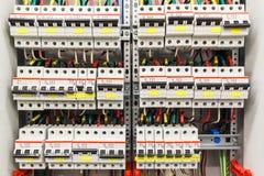 Пульт управления с много автоматов защити цепи стоковое изображение rf