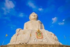 Пхукет большой Будда в голубом небе стоковое изображение rf