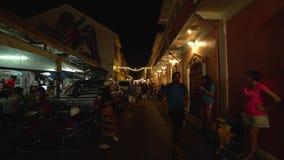 Пхукет, Таиланд 23-ье декабря 2018: Известный рынок ночи в городке Пхукета видеоматериал