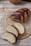 пшеница jpg хлеба вся Отрезанный wholegrain ломоть хлеба на tablec Стоковая Фотография