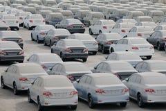 Пылевоздушные автомобили в порте Стоковые Изображения