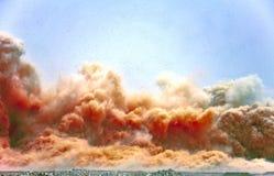 Пыль утеса после взрывать стоковое фото