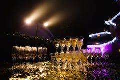 Пышная пирамида шампанского Стоковые Фотографии RF