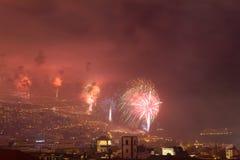 Пышные фейерверки Нового Года в Фуншале, острове Мадейры, Португалии Стоковая Фотография RF