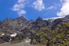 Пышный взгляд ландшафта скалистых гор стоковое изображение rf