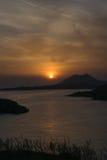 пышный заход солнца Взгляд от Sounio в Греции Стоковое Изображение