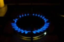 Пылайте газ горящей плиты в темноте Стоковое Изображение RF