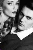 Пылкие пары красивые деловые люди с красивой девушкой с длинными светлыми волосами стоковое изображение rf